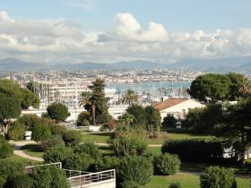 2 rooms apartment completely renovated - panoramic sea and harbor view