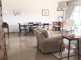 Beautiful 3 rooms apartment, perfect condition, panoramic sea view